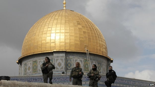 "Israeli security forces stand guard near Jerusalem""s Dome of the Rock mosque in the Al-Aqsa mosque compound, the third holiest site in Islam but also the most sacred place in Judaism on 5 November 2014."