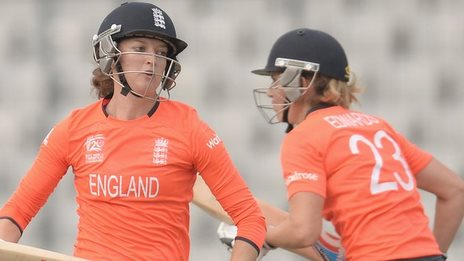England's Sarah Taylor and Charlotte Edwards