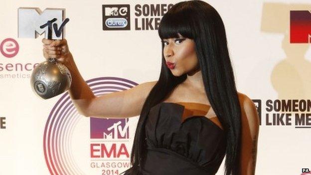 Nicki Manaj with her MTV EMA award