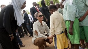 Sheikha Moza in Kenyan refugee camp