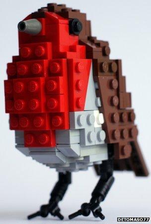 A Lego robin