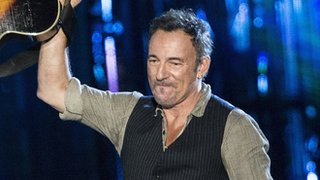 BBC News - #BBCtrending: Springsteen performance for veterans panned