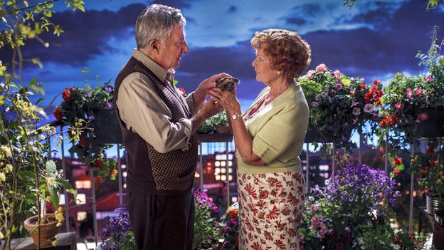 Dustin Hoffman and Dame Judi Dench in Esio Trot
