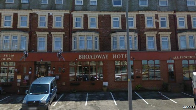 79110560 79110559 - Couple 'fined' by Blackpool hotel for bad review