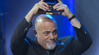 BBC News - Billy Joel's career in songwriting honoured in Washington DC