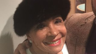 BBC News - Dame Shirley Bassey rights Goldfinger 'wrong notes'