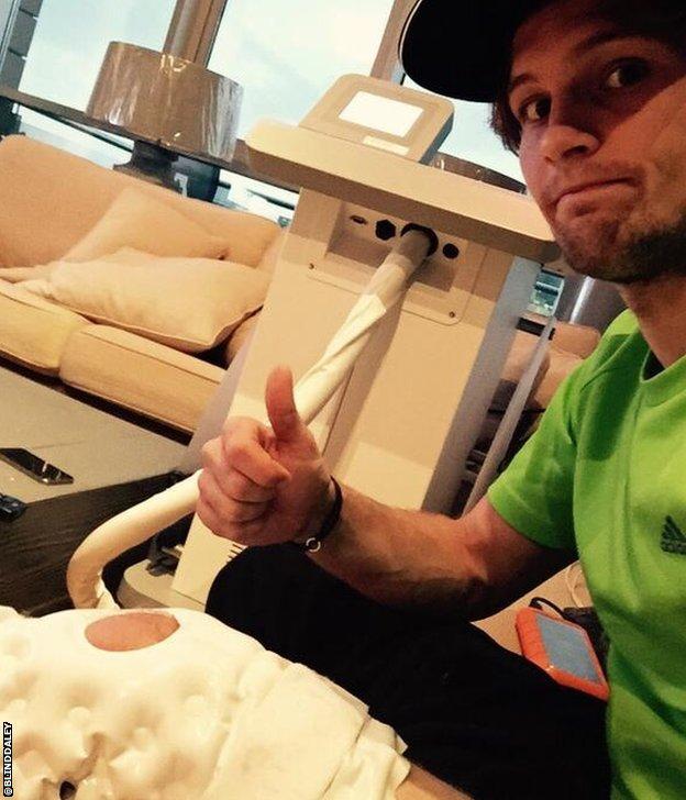 Daley Blind injured knee tweet