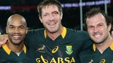 Bakkies Botha (centre) with JP Pietersen and Bismarck du Plessis