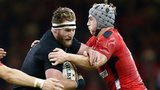Dan Biggar and Jonathan Davies tackle Kieran Read