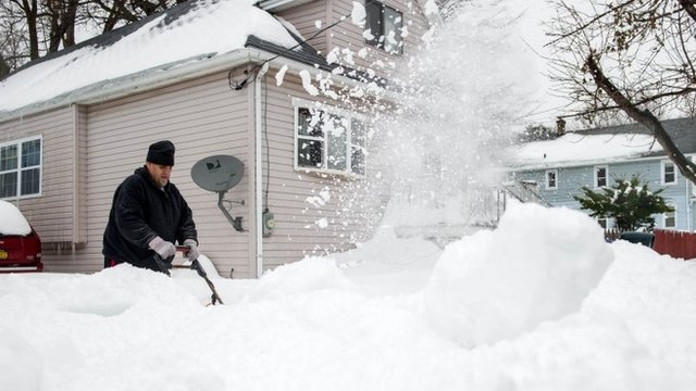 VIDEO: Preparing for floods after US snowfall...