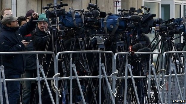 Reporters with TV cameras outside Vienna's Palais Coburg where nuclear talks take place. Photo: 22 November 2014