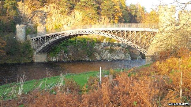 The Telford Bridge in autumn