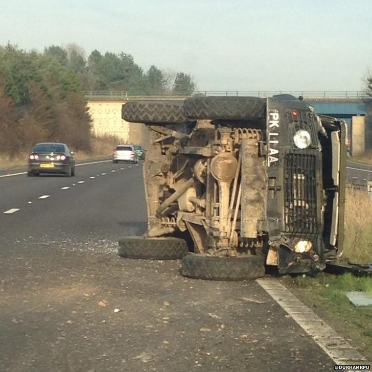 Overturned truck on the A1