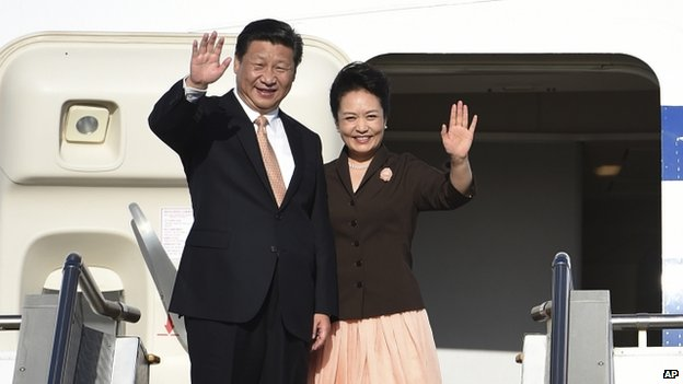 Chinese President Xi Jinping and his wife Peng Liyuan in Australia (19 November 2014)