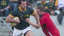 Gethin Jenkins tackles Bismarck du Plessis