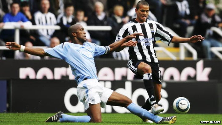 Jermaine Jenas playing for Newcastle