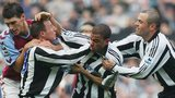 Lee Bowyer and Kieron Dyer fight on the pitch