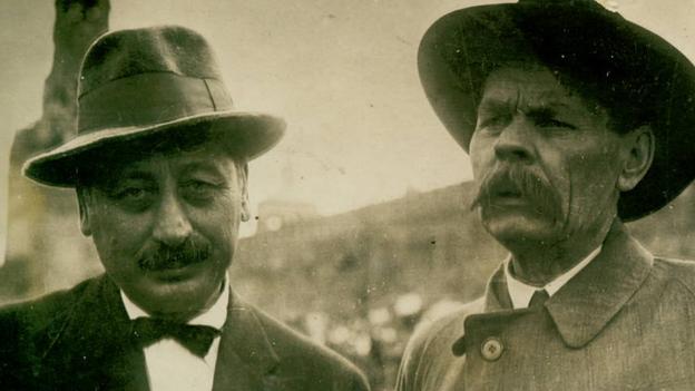 Sholem Asch (left) with Maxim Gorky