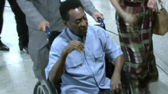 La leyenda del fútbol brasileño Pelé fue hospitalizado hoy en Brasil luego de desmayarse por agotamiento.
