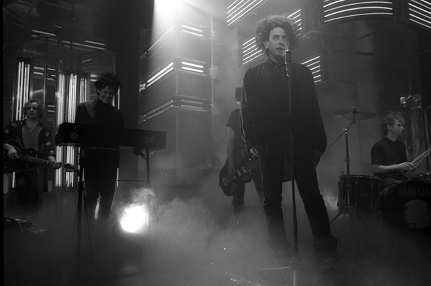 The Cure on Top of the Pops, 1989