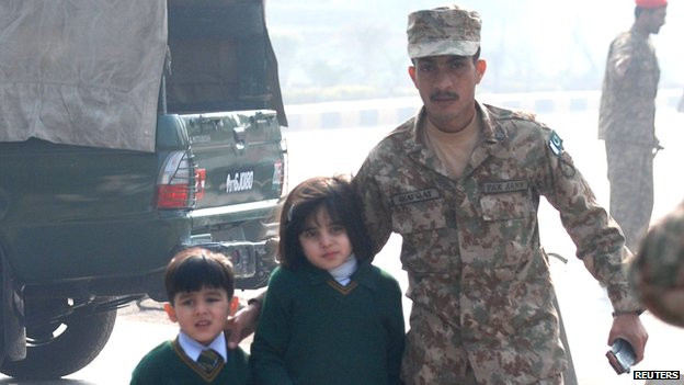 "79754347 79754346 - Pakistan Taliban  "" Kill  100"" in assault on Peshawer school"