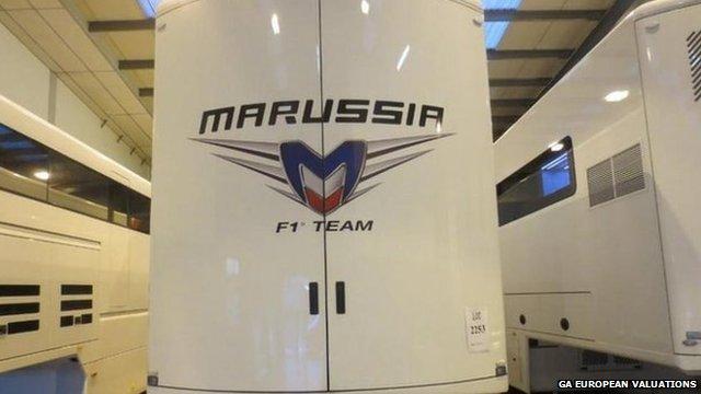 Marrusia dual level race car transportation sledge