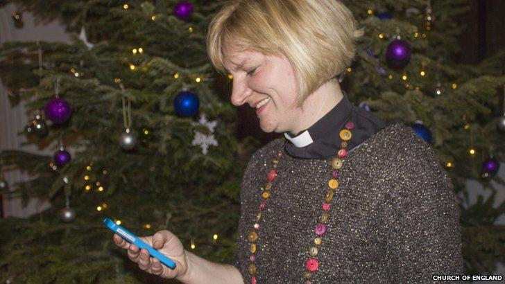 Joanna Seabourne texting