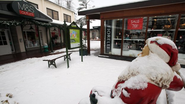 Clarks Village at Street closed by snow before Christmas 2010