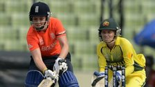 England's Heather Knight and Australia's Alyssa Healy