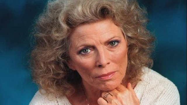 Actress Billie Whitelaw dies aged 82...