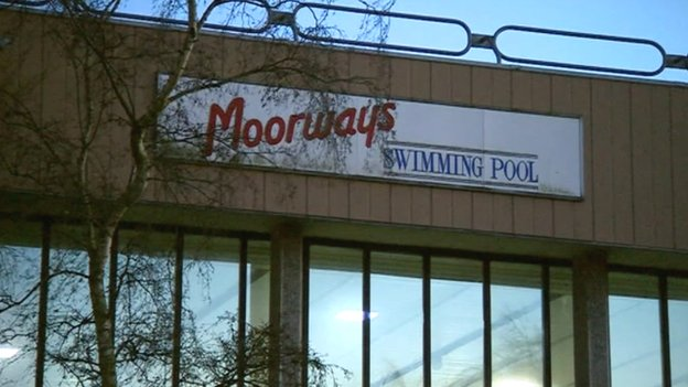 Moorways Pool Closure Petition To Push Debate Bbc News