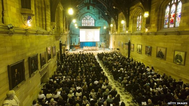 People attend a memorial service for Katrina Dawson at Sydney University (23 December 2014)