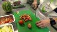 Make Lunch volunteers prepare food