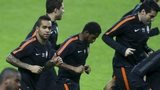Shakhtar Donetsk players warming up at Dragao stadium in Porto, Portugal, on 9 December 2014.