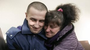 Mother with her freed son, Luhansk (26 Dec)
