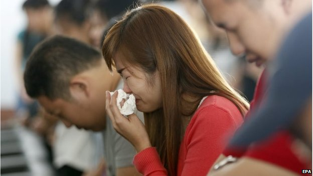 AirAsia QZ8501: Bad weather hampers recovery of bodies