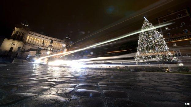 Cobblestones at Piazza Venezia in central Rome