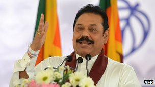 Mahinda Rajapaksa making an election campaign speech
