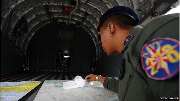 Indonesian search and rescue personnel, 3 January 2015
