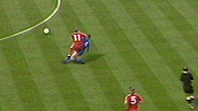 BBC Sport - 1988 Wimbledon v Liverpool: Vinnie Jones ... Vinnie Jones Football Tackles