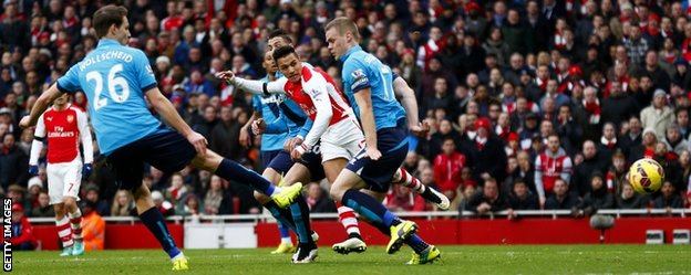 Sanchez scoring a worldy - picture courtesy of the BBC