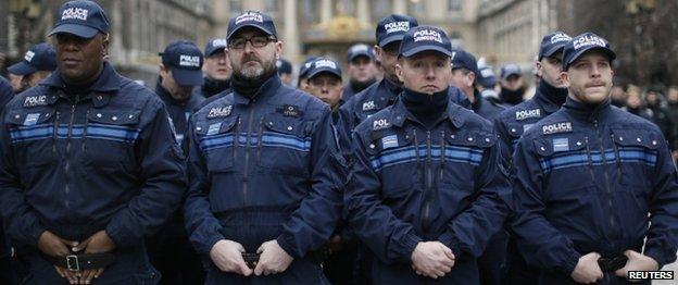 National tribute at Paris prefecture (13 Jan)