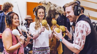 BBC - Newsbeat - Kaiser Chiefs fly fans to South Africa to sing on new track