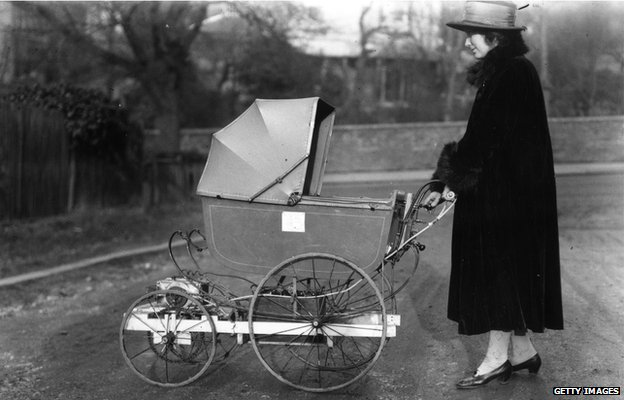 Electrically-powered pram