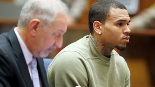 BBC - Newsbeat - Chris Brown's probation revoked for leaving LA to play gig