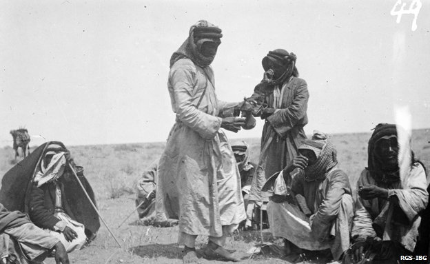 Shakespear's party stops for a coffee break in the desert in region of Al-Jawf, 1914
