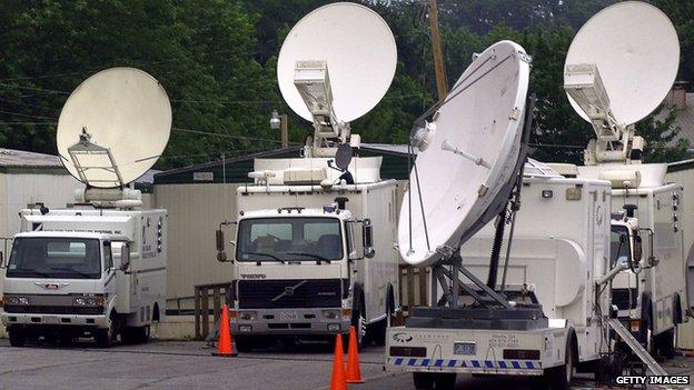 Satellite trucks