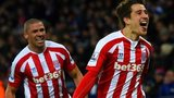 Bojan Krkic and Jonathan Walters of Stoke