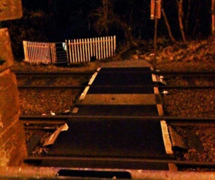 Rail crossing at Hipperholme