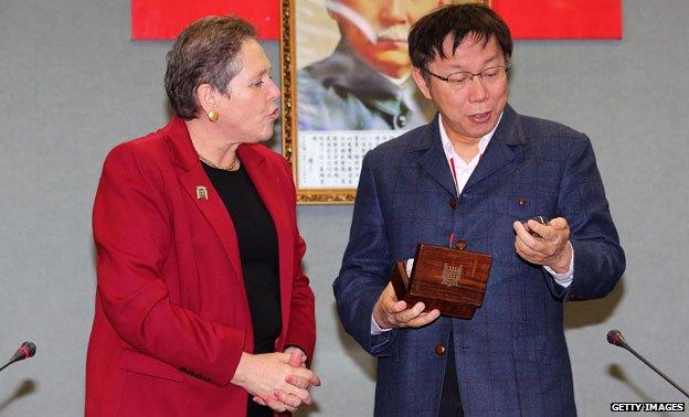 Ko Wen-je and Baroness Susan Kramer